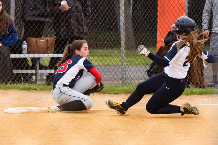 a3deced31176bdcb71f5_Janey_Morabito_takes_the_throw_from_Maddie_Philips_-_UC_tourney_championship_game_2017__327_of_659_.jpg
