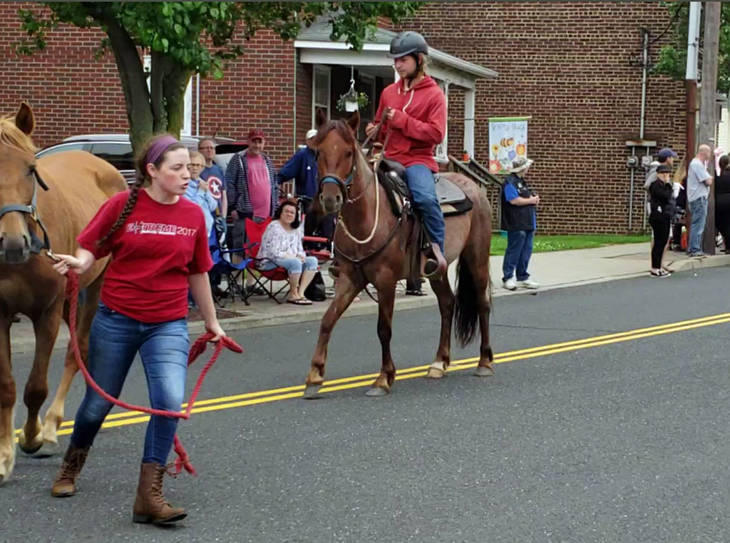 a482eebf86474b231421_James_and_Dune_Sayreville_Parade_3.JPG
