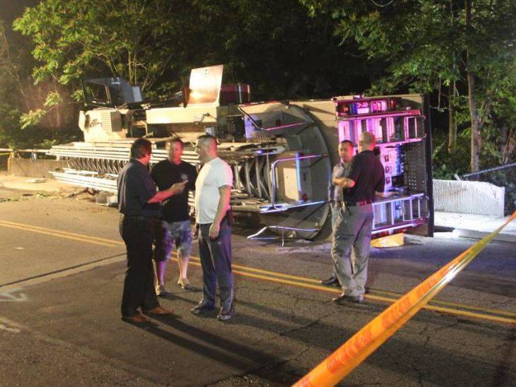 a48de7833395d05c9aae_Nutley_Fire_Truck_Overturns_on_Third_River_Bridge_i.JPG