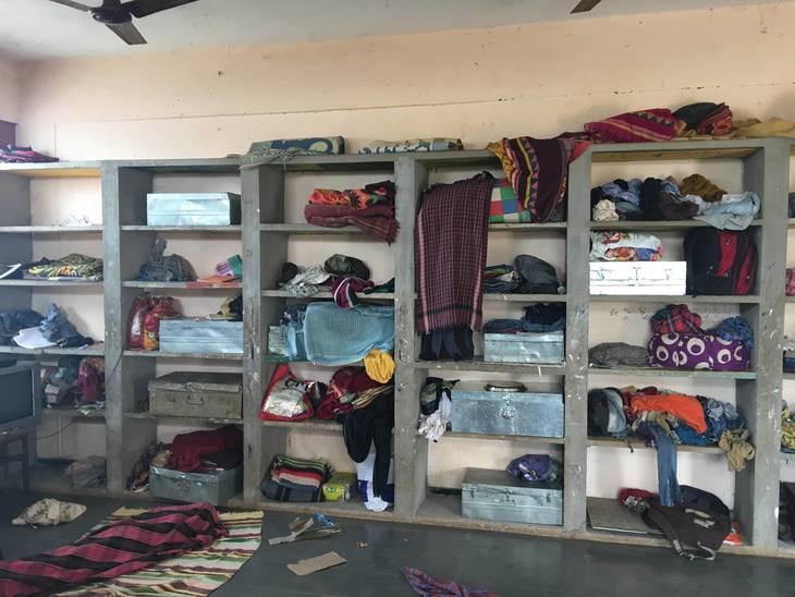 a5414d31d545821091c7_Dormitory_Room_Shelves.JPG