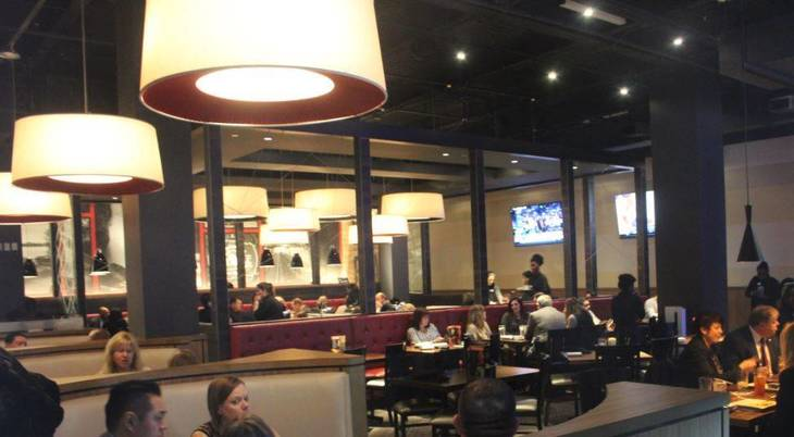 a7ba408c24c78ac8e39d_Dave_and_Busters_Dining.JPG