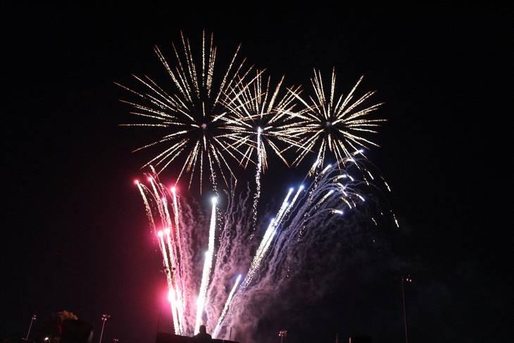a8a738a04c3da2166e33_Cindy_fireworks_2.jpg