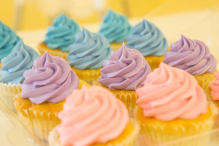 ada8ad16edeb7d8b5aaa_cupcakes-2285209_1920.jpg