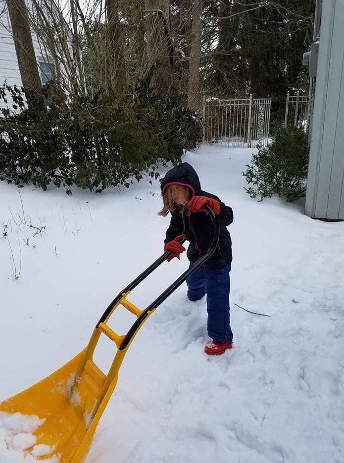 b0725b6170ebe3dc91db_shoveling.jpg
