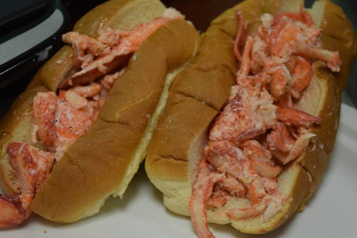 b386f36617a805a60d99_Lobster_roll.JPG