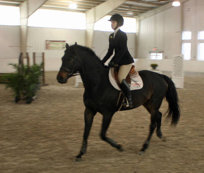 b5618e51ea45f4157e57_rachel_vandermark_rutgers_equestrian.JPG
