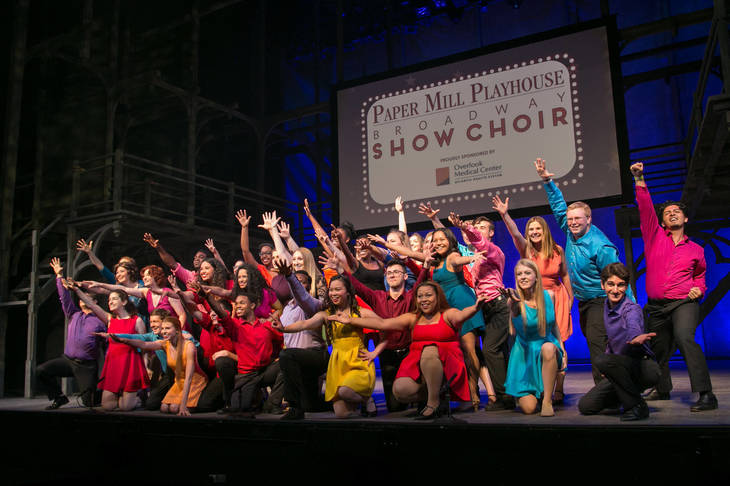 b704d3e70cf9ae34f17d_b95e9464899346bf60d6_PMP_Show_Choir.jpg