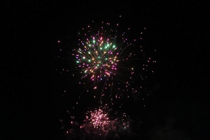 b9a70f0bf020767b83f1_Cindy_fireworks_5.jpg