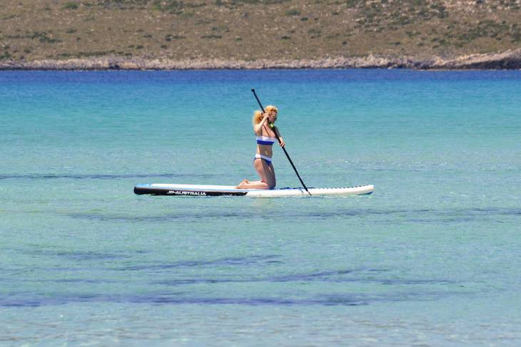 bb3d0e812ffff3d5cfa1_09d049b051955177ebe0_stand-up-paddle-board-2083303.jpg