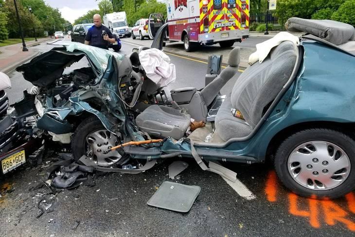 bd12571b91a6f31f417f_ca022d67d92bd1516cae_5-21_accident_7.jpg