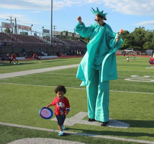 bee1a20b968e0d7849a3_Bloomfield_Independence_Day_2017_Foley_Field_t.JPG