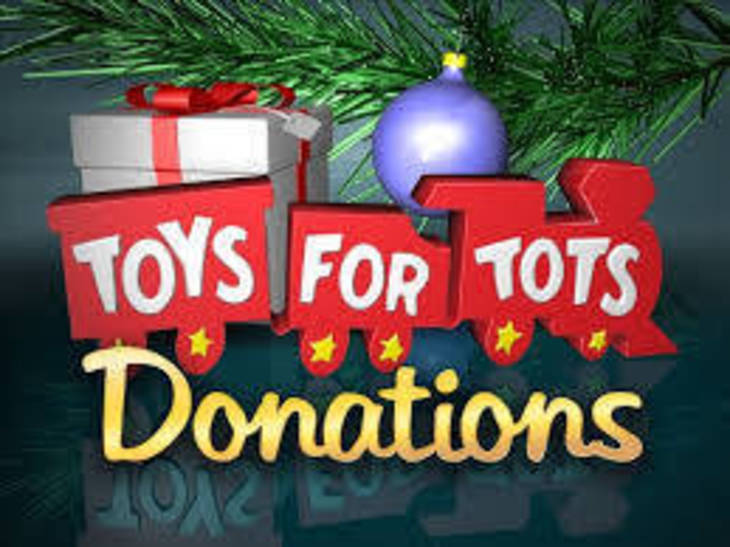 Annual Toys for Tots Motorcycle Parade rides through Chicago