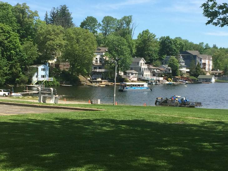 c4f762ecd211e6370d27_The_Lake_Hopatcong_Floating_Classroom_public_tours_will_depart_from_Hopatcong_State_Park.jpg