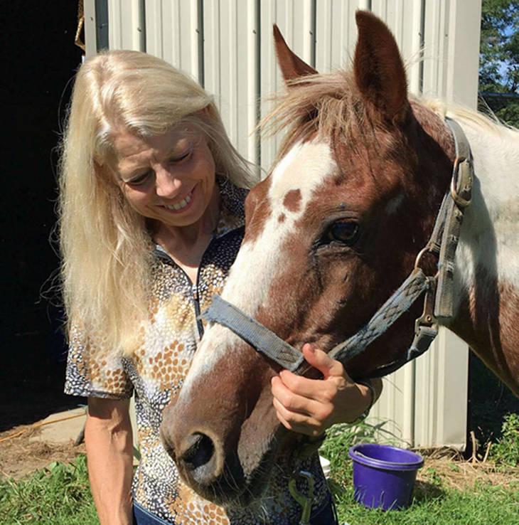 c73cc7255d9979f542dd_auction_horses012.JPG