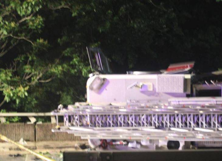 cf17ea911cc7bb77b260_Nutley_Fire_Truck_Overturns_on_Third_River_Bridge_f.JPG