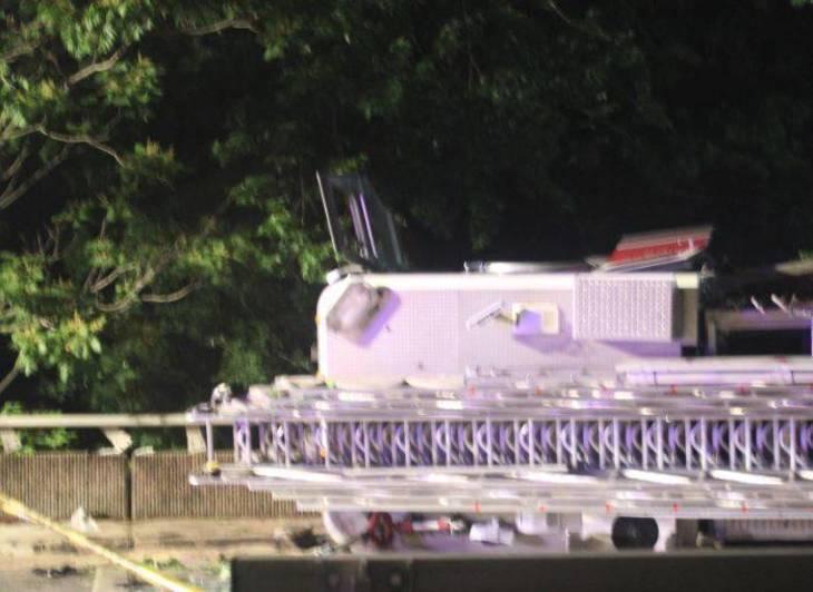 cf17ea911cc7bb77b260_Nutley_Fire_Truck_Overturns_on_Third_River_Bridge_f.JPG