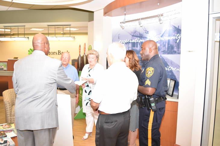 Franklin Township: Investors Bank Donates to Dr. Martin Luther King Community Foundation