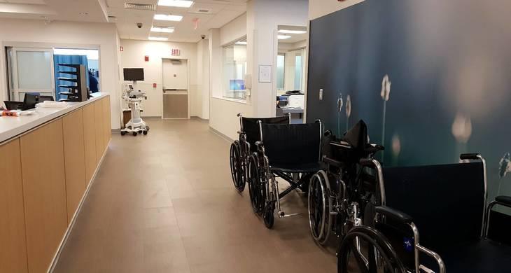 d2742ed93a93ccb269d5_wheelchairs__and_desk.jpg