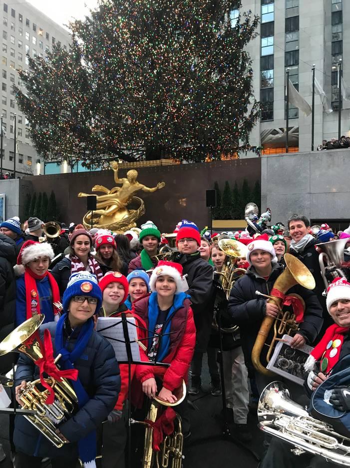 d2a90e3aa590b3a7a51f_Tuba_Christmas_2017.JPG