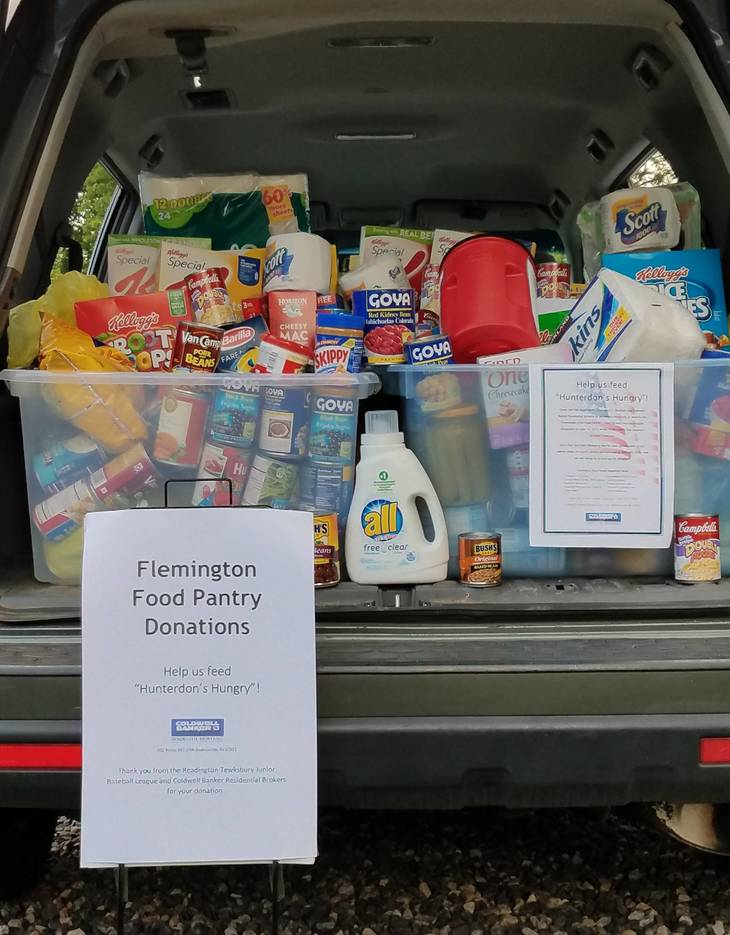 d726626867478a7a6926_PHOTO_3_Food_Pantry_Collections_.jpg