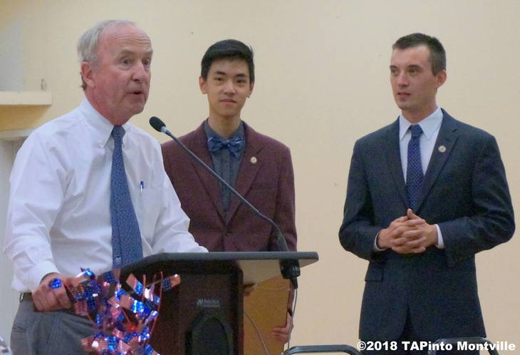 d7437e5dd9a043a0468c_Congressman_Rodney_Frelinghuysen_bestowing_a_scholarship_at_the_Senior_House_in_2016.JPG