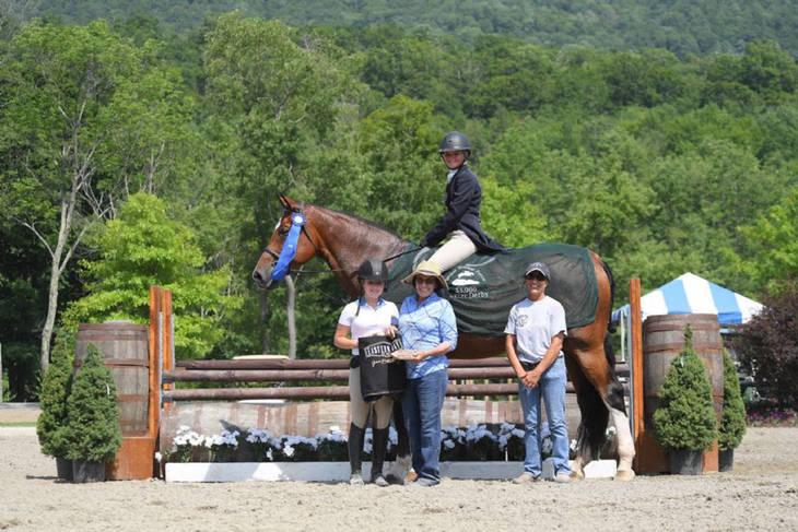 d8d79f00f959573bfe16_Morgan_Ward_Vermornt_Horse_Show12.JPG