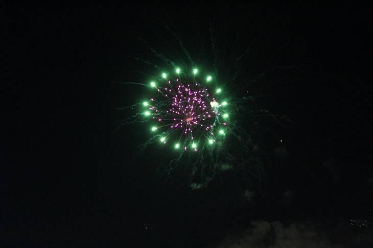 d8da01ee3f7eda792efb_Cindy_fireworks_4.jpg
