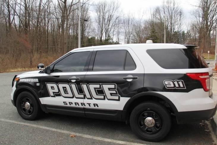d9cecffb882fb6047b32_police_car___3_.jpg