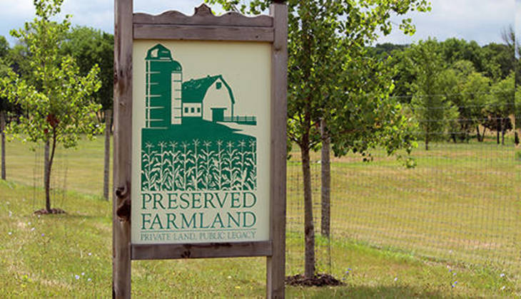 da63c39293e512bedae4_preserved-farmland-520.jpg