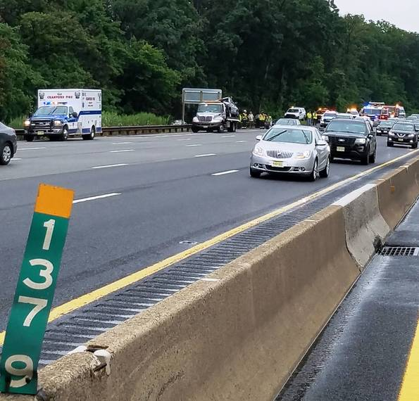 Ambulance Off The Road And Into The Woods On Garden State Parkway Cranford Nj News Tapinto