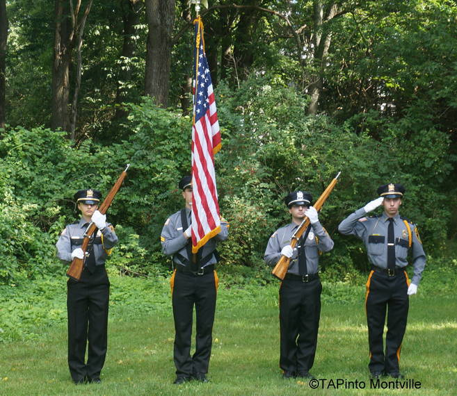 dc047580d89bfbcd48ce_a_Police_Explorer_Post_805_presents_the_colors.JPG