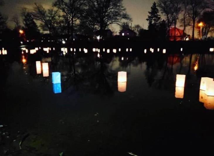 dd15f0e24367fd03c964_Glowing_on_the_Pond.jpg