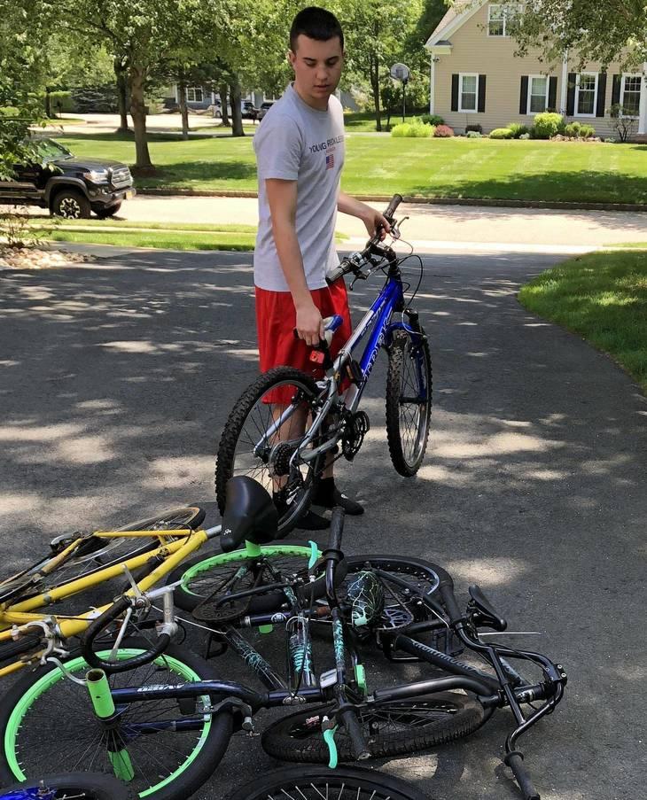 dd2c29f543fa2c2f0549_Alex_Iervolino_sorts_bikes_on_his_driveway_Courtesy_of_Mary_Iervolino________2.jpg