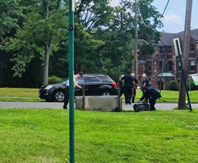 dee47cfca96a409db429_July_2018_Police_Vincent_Place_b.JPG