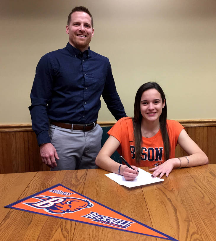 e3d4eaf81f2f63250790_Karly_Forker_with_Coach_Bischoff.jpg