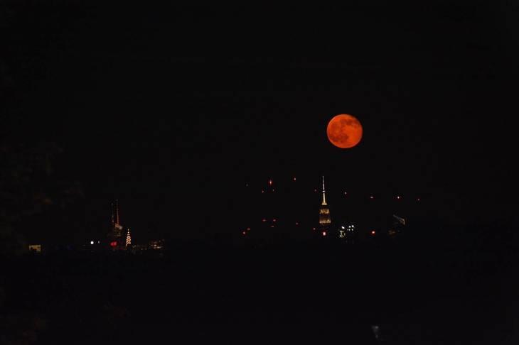 e50c5936858f6cef9799_Strawberry_Moon_June_10_2017.jpg