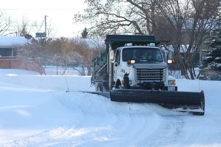 e552e403047398f75e20_Urban_Winter_Service_Vehicle_with_Snowplow_and_Wing_1.JPG