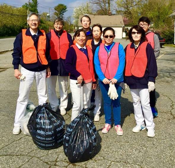e5699a06c47895e5d3d7_Tzu_Chi_Foundation_Earth_Day_Cleanup.JPG
