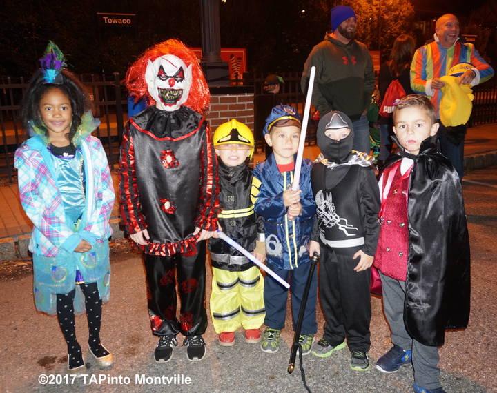 e6ff060c403f05a69e7e_a_Kids_ready_for_the_annual_Towaco_Vol._Fire_Dept._parade__2017_TAPinto_Montville.JPG