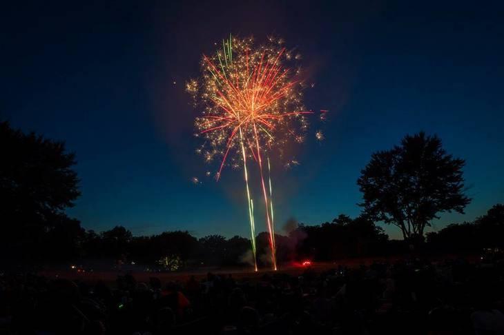 e7fd22ee3ca762d2a238_JJ_fireworks1.jpg