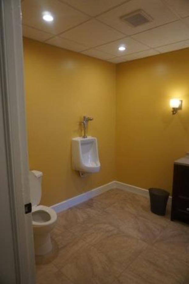 e9173abfd959901080ba_bathroom__1.jpg