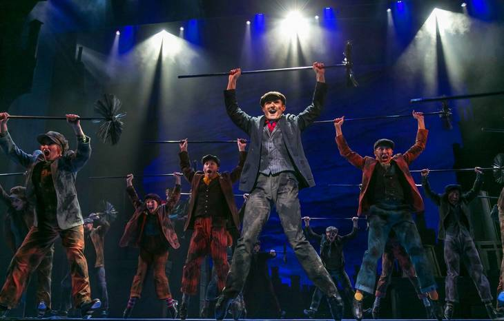 ee24a35efad1e0a016ab_Mary_Poppins_Paper_Mill_Photo_3.jpg