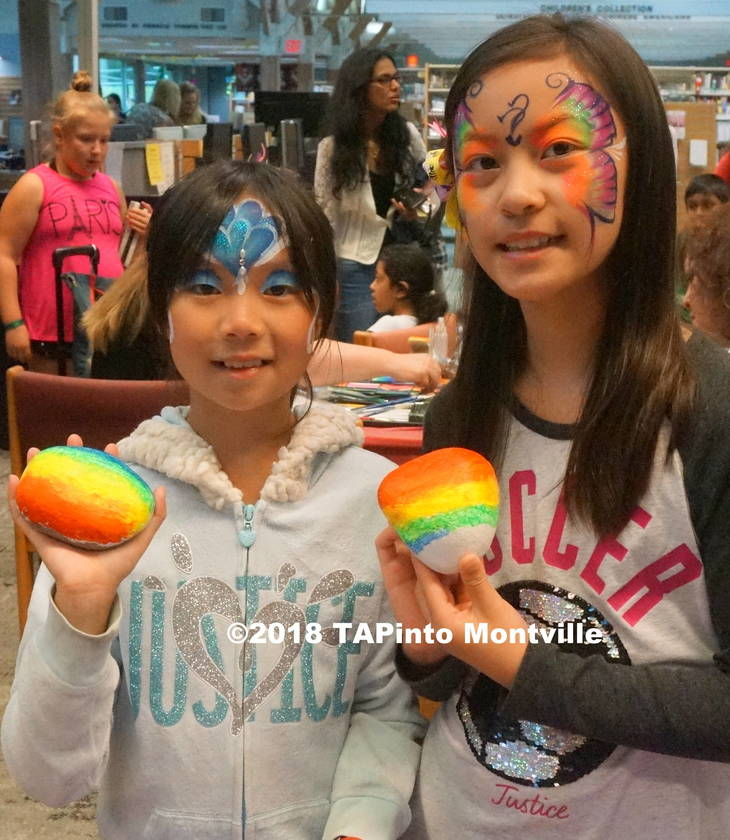 ee4ad0faf6b608118472_a_Amy_and_Kaylee_show_their_painted_rocks__2018_TAPinto_Montville___1..JPG