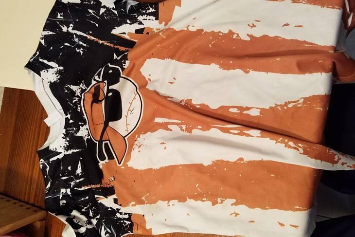 ee4ef7ac47c6882354e5_8dbedaeaf9c52077b4da_gavin_s_shirt.jpeg