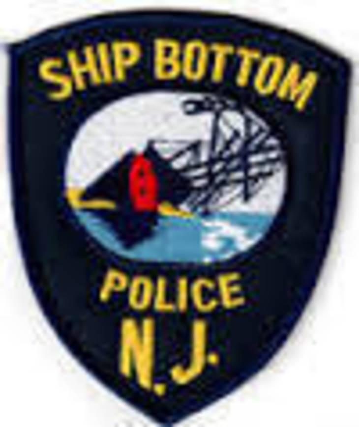 f01bb3a51f8d5231bf73_ship_bottom_pd.jpg