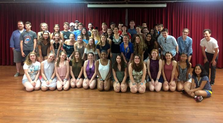 f0a01a05362a7edeebe5_CHS_Chorus_with_director_Ken_Bryson_and_Disney_clinician.jpg