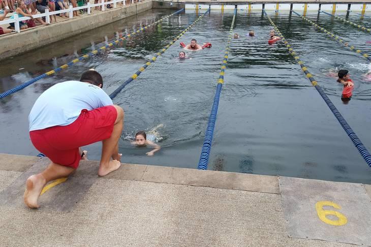 f2fe7a50bbd31110ed46_60ad283da3b08b074c60_swimmers.jpg