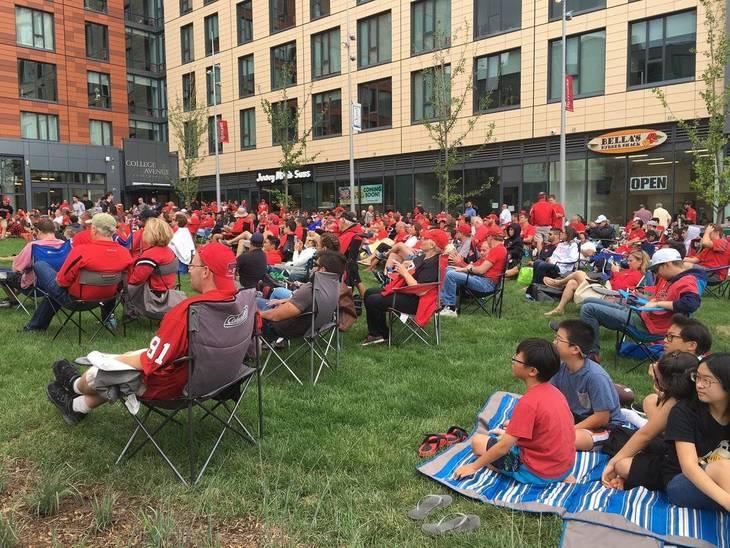 f3b2249d4c47f7d70424_the_yard_crowd.jpg