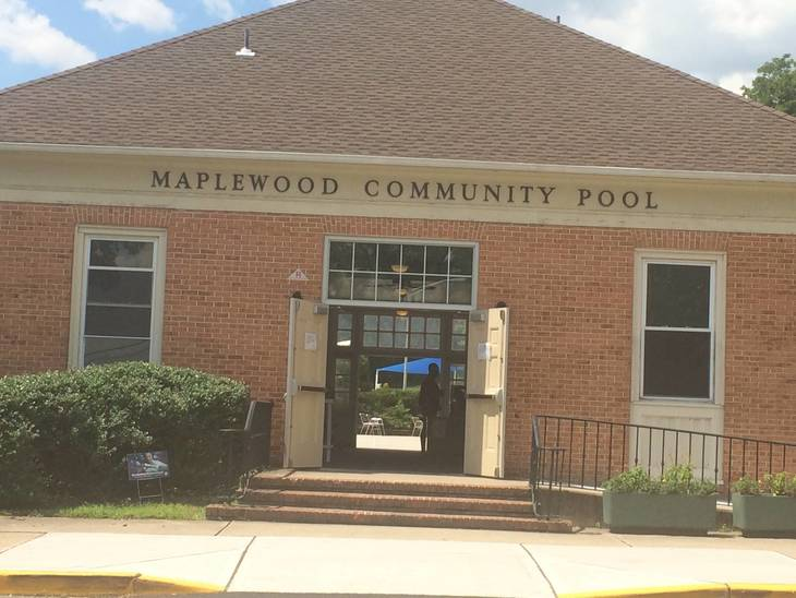 f4802a5e238120659cc6_maplewood_community_pool.jpg