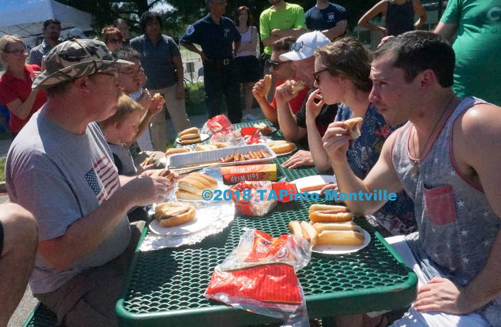 f651975090f6783253db_a_The_hot_dog-eating_contest__2018_TAPinto_Montville.JPG